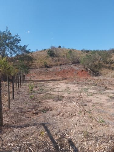 Imagem 1 de 9 de Chacas Rancho Miura Gov Valadares 12km Do Centro