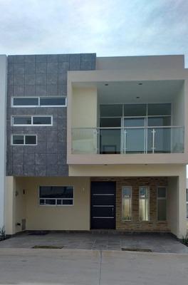 Casa En Venta En Colonia Valle Imperial, Zapopan, Jal.