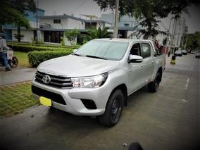 Toyota Hilux 2017 4x4 Plata Metalico