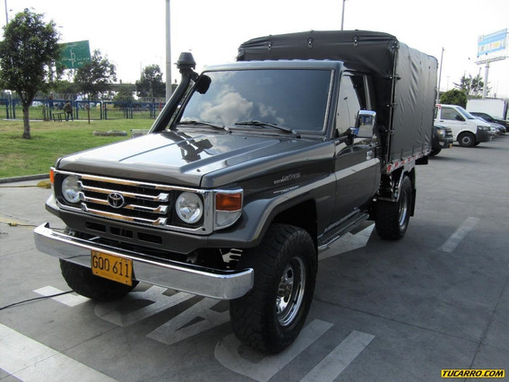 Toyota Land Cruiser 4×4 Fe 4500