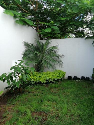 Imagen 1 de 15 de Casa Amueblada En Renta En Juriquilla Santa Fe