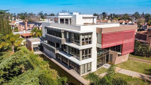 Edificio Corporativo Para Empresa En Carrasco!!!