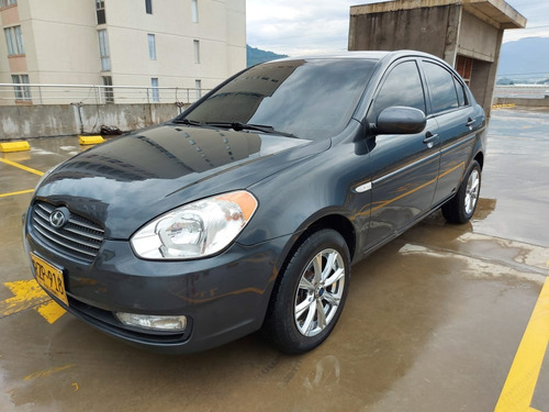 Hyundai Accent Vision Gls Aa 1.400