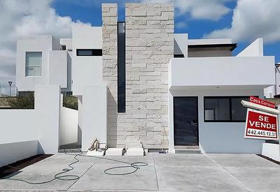 Preciosa Residencia En Juriquilla San Isidro, 3 Recámaras, 3.5 Baños, Mármol