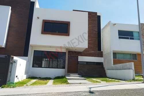 Casa En Venta Mirador Queretaro Con 3 Habitaciones Lista Para Estrenar
