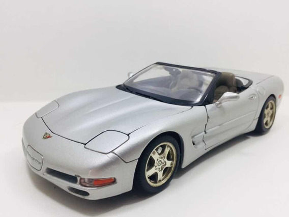 Miniatura Chevrolet Corvette Cs 1997 Burago 1/18