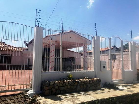 Casa En La Morrochas Adriana Carrera 04145858768 Cod.19-0300