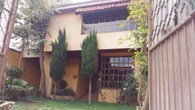 Casa Amplia Nueva De Dos Niveles En Zona Tranquila