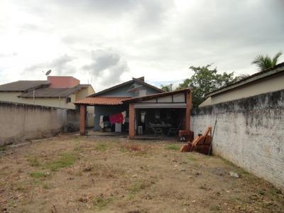 Casa Com Grande Quintal Bairro Nossa Senhora Aparecida - 00984