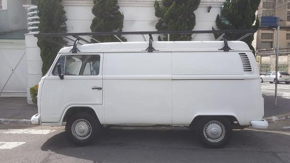 Volkswagen Kombi Furgão 1.6 2001 Branco