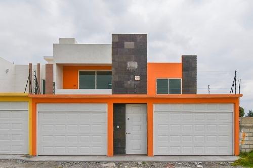 Casa Nueva En Metepec Amplia.
