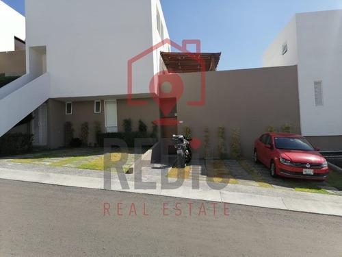 Casa En Venta De 1 Piso En Punta Esmeralda, Queretaro