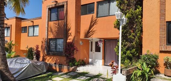 Casa En Venta En Cuernavaca Lomas De Atzingo En Condominio