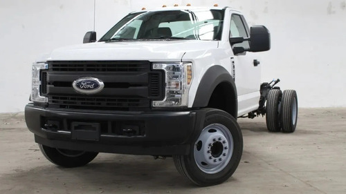 Ford F-450 6.8 Xl At
