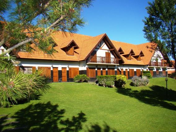 Villa Gesell Norte A 80 Ms. De La Playa. -- 3 Y 4 Ambiemtes
