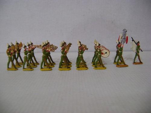 Imagen 1 de 6 de Nico Increible Banda Militar 21 Soldados  De Plomo (pmv 44)