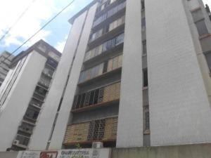 Apartamento En Alquiler Los Palos Grandes 20-18370