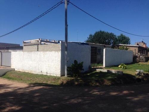 Local En Punta De Rieles