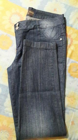 R070 - Jeans Feminina Com Stretch Tam. 48 Seminova