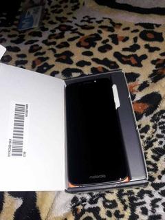 Celular Moto E5 + Funda