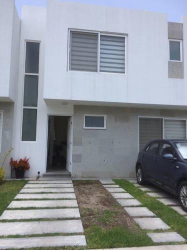 Se Renta Linda Casa En Av. El Jacal