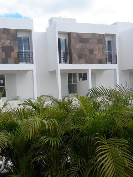Casa De Dos Recámaras Con Terraza Excelente