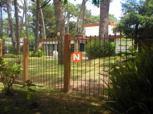 Casa En Venta Y Alquiler, Mansa, Punta Del Este, 4 Dormitorios.- Ref: 204928