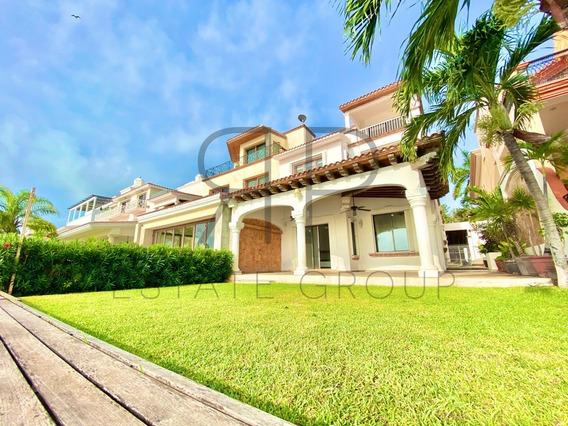 Casa En Venta En Cancún Frente Al Mar.