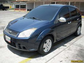 Ford Fiesta Max