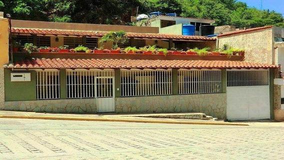 Casa En Venta Macuto 20-6494 Juan Villarroel 04166120354