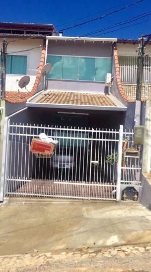 Casa Para Venda Em Volta Redonda, Morada Da Colina, 3 Dormitórios, 2 Banheiros, 2 Vagas - 027