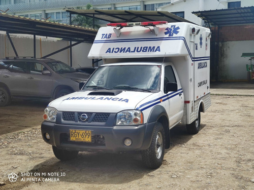 Ambulancia Nissan Np300 Modelo 2011 Sin Estrenar