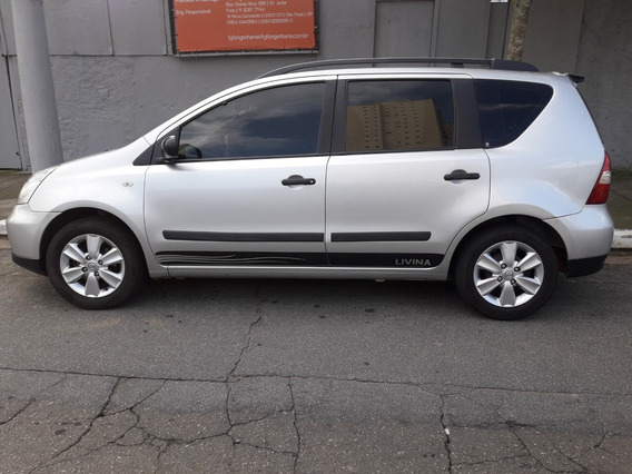 Nissan Livina 2011 Completa