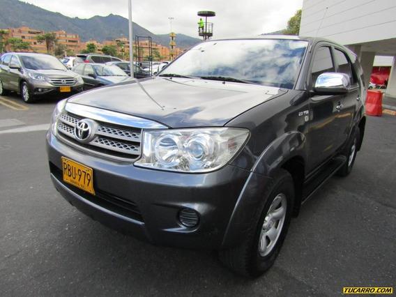 Toyota Fortuner Sr5 2.7 At