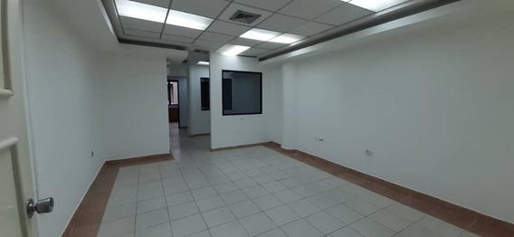 Alquiler De Gran Oficina En Las Delicias 04243725877