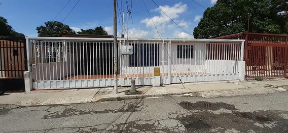 Casa En Venta Patarata Barquisimeto Lara 20-22542
