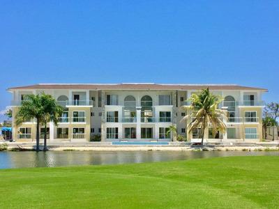 Apartamento En Punta Cana, En Cocotal, 85mts 2 Habitaciones