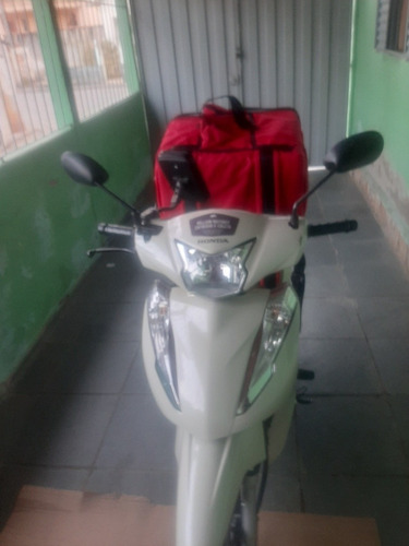 Imagem 1 de 2 de Honda  125 Cc