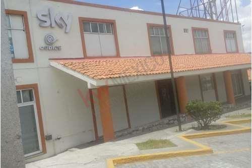 Oficina Con Excelente Ubicación, Seguridad, Servicios Incluidos