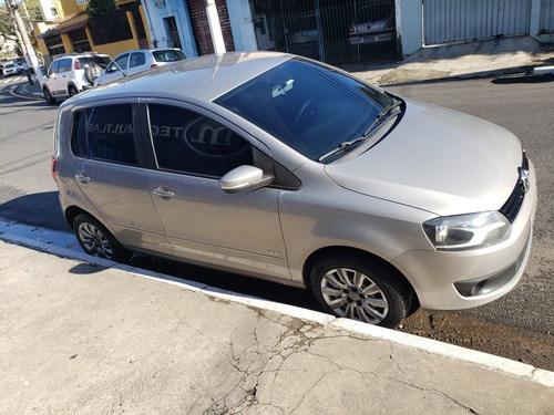 Imagem 1 de 6 de Volkswagen Fox 2014 1.0 Trend Tec Total Flex 5p