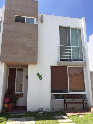 Casa En Venta En Querétaro,frac. Sonterra Con Amenidades Y Terreno Excedente