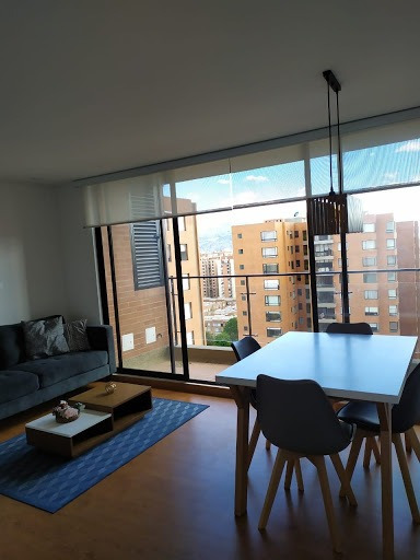 Apartamento En Venta Colina Campestre 642-4518