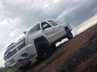 Chevrolet Avalanche Blanco-blanco Y Personalizado 2005 4x4