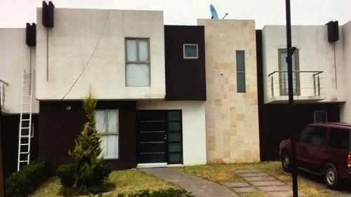 Hermosa Casa En Condominio En Venta En Atotonilco De Tula
