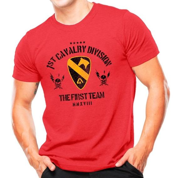 Camiseta Militar Estampada Cavalaria Do Eua Vermelha