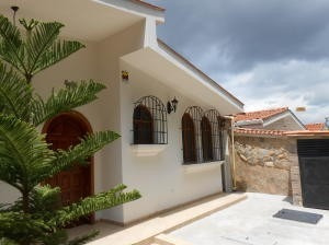 Casa En Venta Trigal Centro Valencia Carabobo 20-6351 Rahv