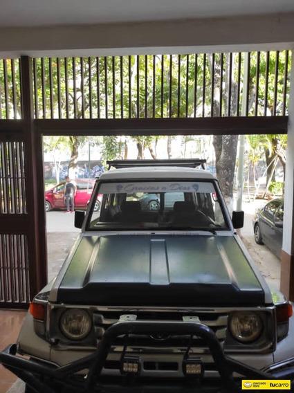 Toyota Macho .