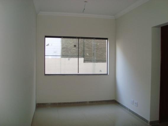Apartamento Com 2 Quartos Para Comprar No Centro Em Matozinhos/mg - 1802