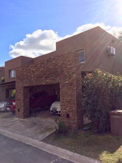 Casa Tipo Duplex, En Barrio Aromas De Saravi - Pilar