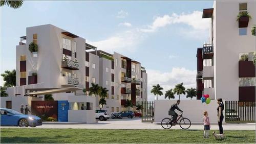 Apartamentos En La Jacobo Majluta, Con Piscina, Gimnasio